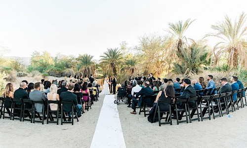 The zoo and gardens venue provides you and your guests a most memorable day.
